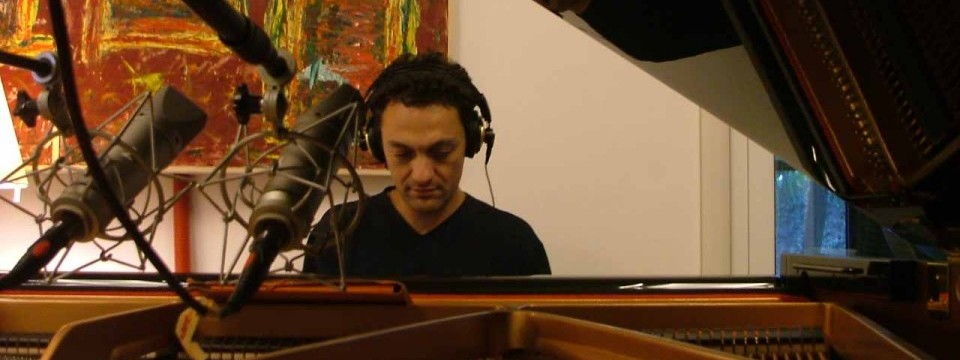 Giovanni Ceccarelli is featured as pianist and composer in new CD by Italian group Agorà